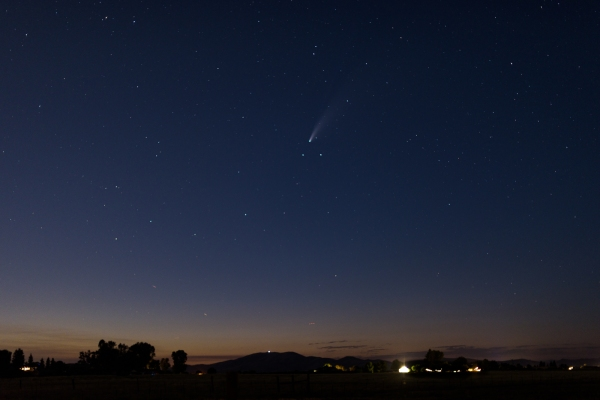 Comet NEOWISE in the sky above Clovis, California.